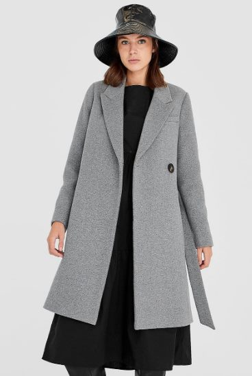 Пальто из сукна с поясом